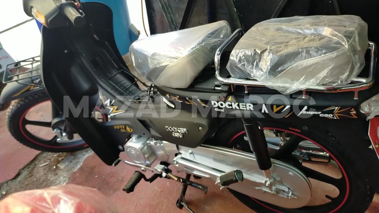 moto Docker c50