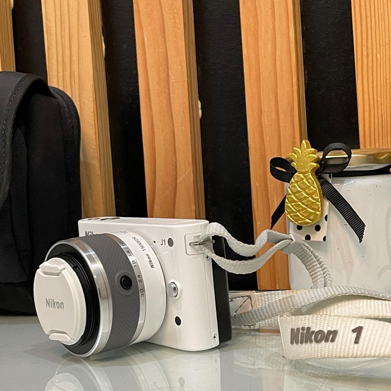 NIKON 1 J1 Kit Compact numérique hybride 10,1Mpix Noir mat mat + NIKKOR 10-30 mm