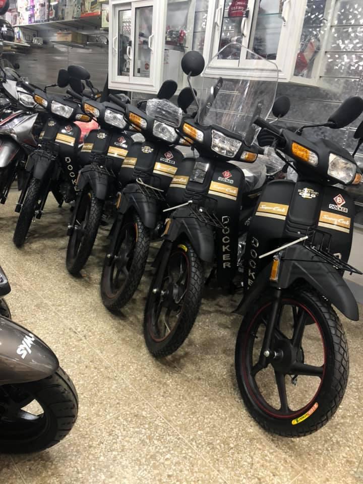 Scoter moto sanya fice R1000 R50 becane spring sh 33 ribeiro docker c50 gama xr sym ls2 casque