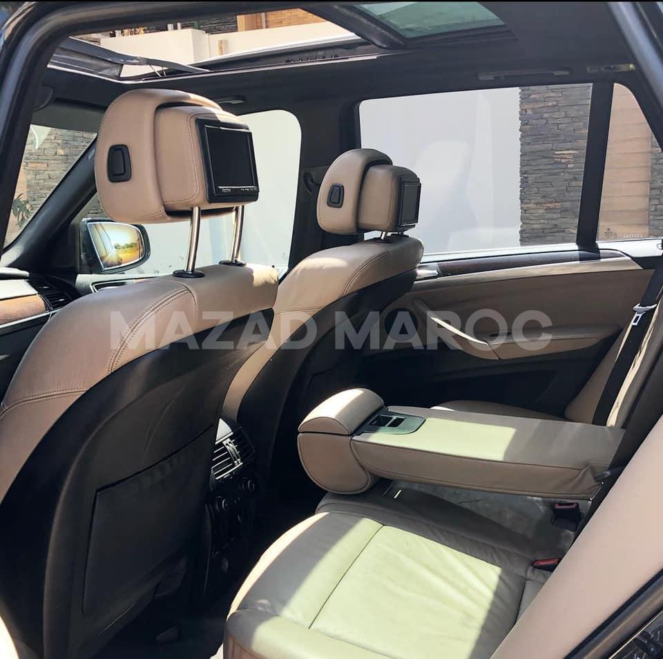 je mets en vente une voiture BMW X5, 3.0L
