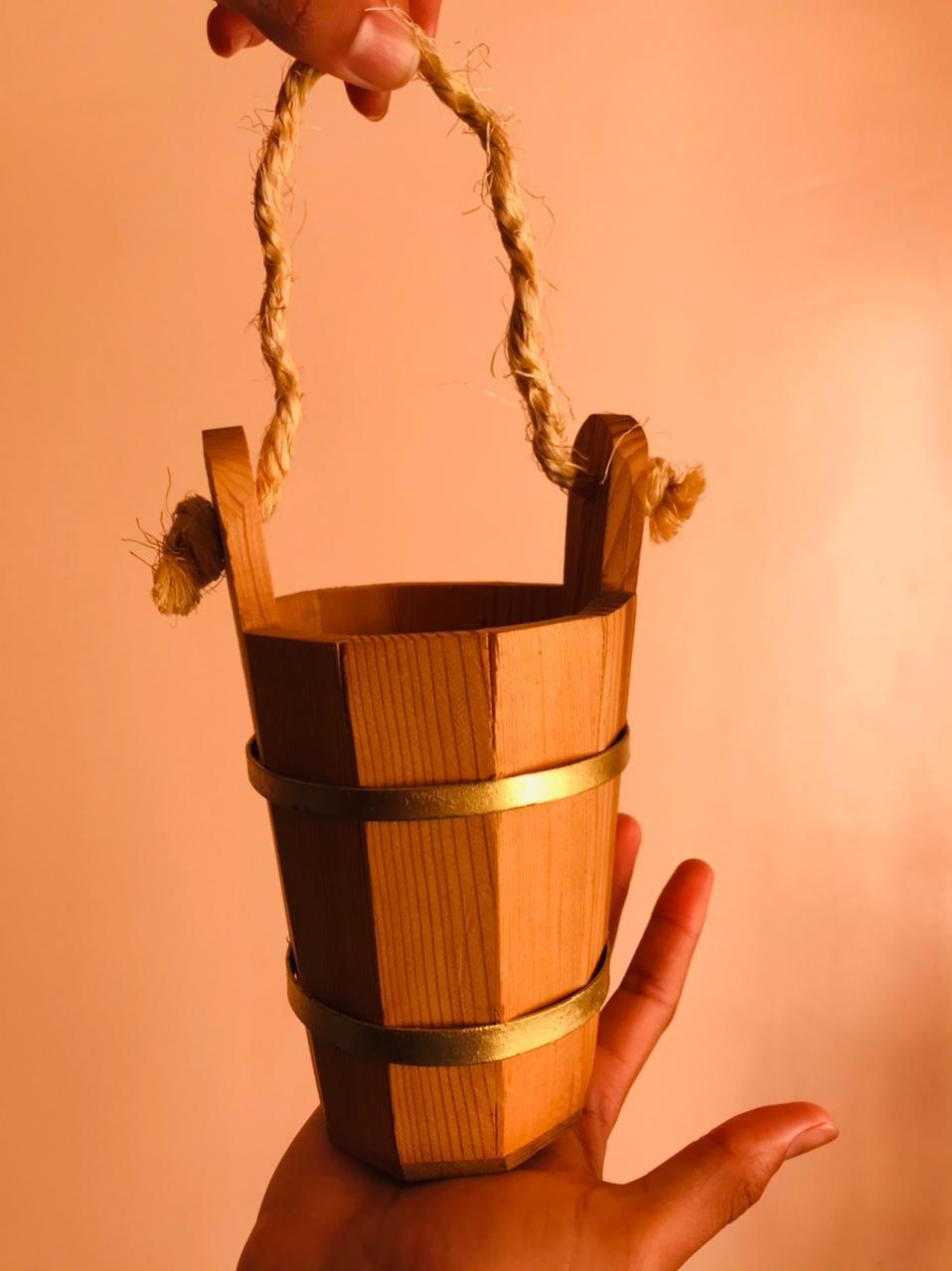 صطيلة خشبية رائعة للتزيين قابلة للماء