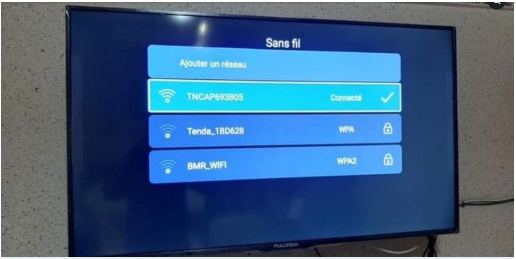 Tv fullteck 50 pouces Smart android récepteur intègre
